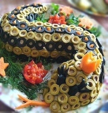 Салат змейка на новый год