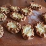 Как приготовить дома карельские пирожки или калитки с начинкой