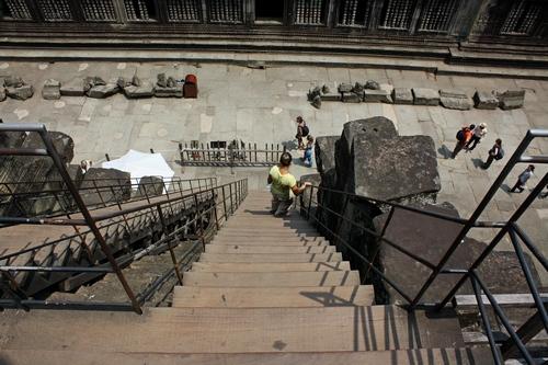 На самый верх Ангкора по деревянной лестнице
