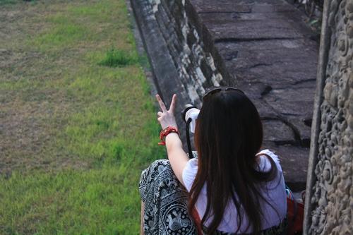 Японцы знают, чем себя занять в Ангкор Вате