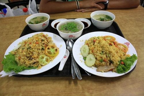 Рис с курицей, свининой, крабовый суп