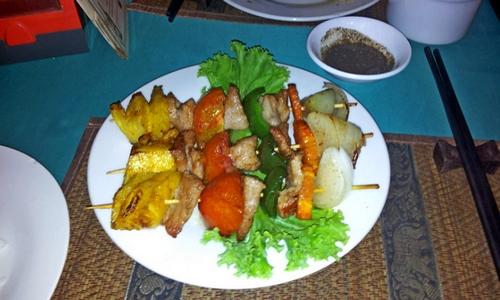 Шашлычки со свининой и ананасом