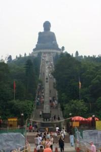 Большой Будда и 268 ступеней к нему, остров Лантау, Гонконг