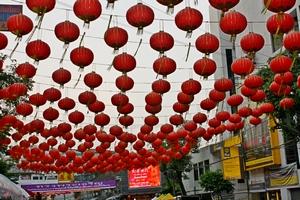 В Бангкоке все украшено шариками