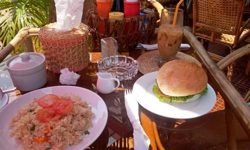 Рис и гамбургер