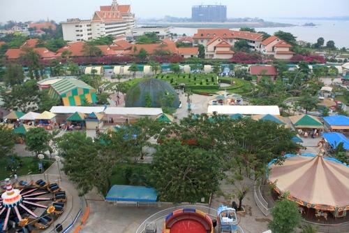 Парк аттракционов Пном Пеня