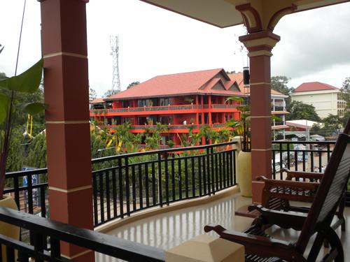 Общий балкон, на котором можно сидеть вечерами