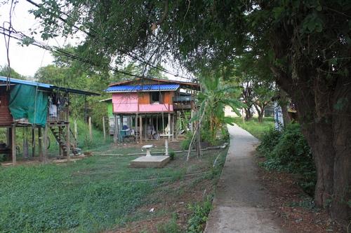 Домики на острове в Аюттайе