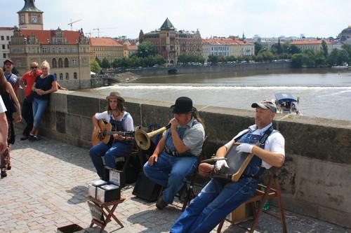На Карловом мосту. Прага. Чехия.